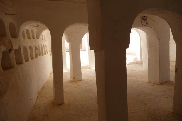 03.Sidi-Brahim-Mosque_interior2_photoMaxRoecker