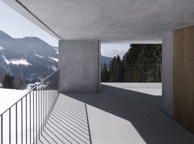 10.Austria_mountain cabin laterns 15 ∏ marc lins_72dpi