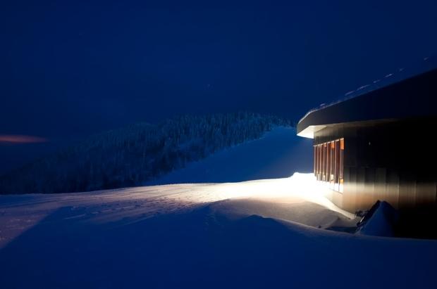 3LHD_185_Ski_Restaurant_Radusa_photo_08