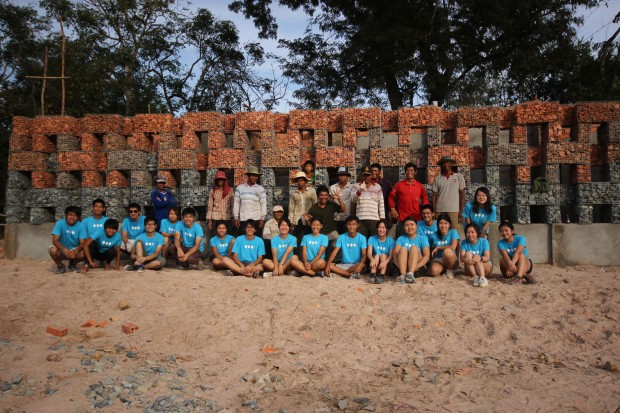 29_Cambodia_Thon-Mun-Community-Centre_team