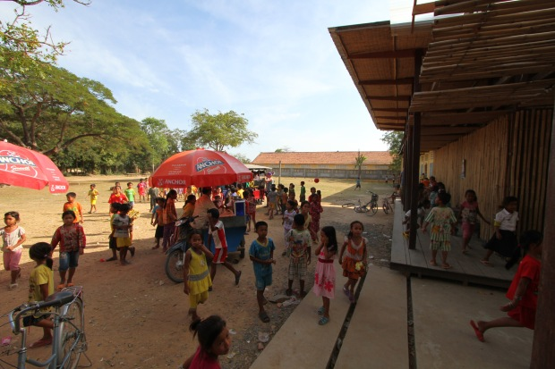 29_Cambodia_Thon-Mun-Community-Centre_yard