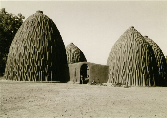 30.Cameroon_musgum-mud-house_DB_01