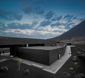 32.Fogo-Island-Natural-Park-Headquarters-Oto-Arquitectos-Cape-Verde-1C