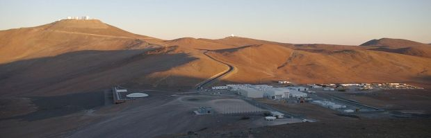 34-Chile-auer_weber_architects-ESO-hotel-Overview-of-the-Paranal_camp