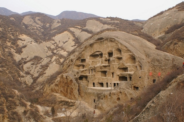 Cave dwellings in the Loess Plateau, China ©2013 taQpets