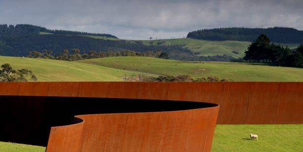Richard Serra-Te Tuhirangi Contour © Gibbs Farm 2013