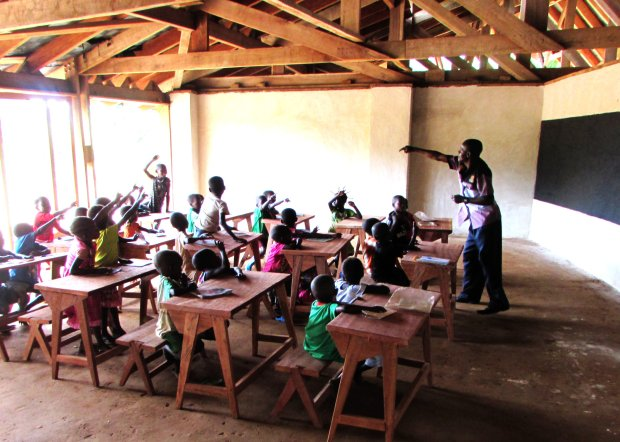3002x2144x24-Students-at-Ilima-Photo-credit-to-Antoine-Tabou-of-African-Wildlife-Foundation.jpg.pagespeed.ic.XbWjxDUJ4W