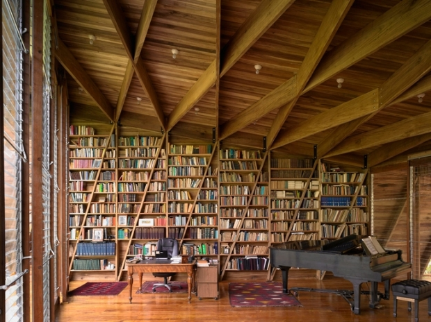 41_Costa-Rica_Casa-Kiké-Gianni-Bosfort_Library-shelving-and-structure-as-one